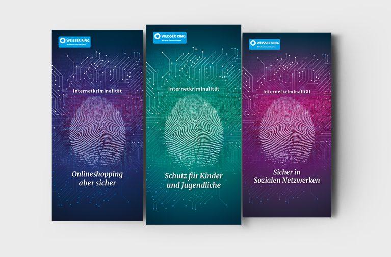 Cover dreier Flyer mit einem Fingerabdruck als Key Visual und dem Logo des WEISSEN RING; Materialien der Aufklärungskampagne zum Thema